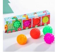 """Подарочный набор развивающих мячиков """"Новогодний паровозик"""" 4 шт."""